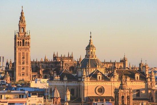 Da Malaga: tour privati 3 giornalieri a Cordova, Granada e Siviglia