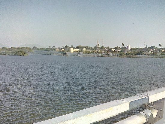Tirunelveli District, India: Journey from tirunalveli to srivaikuntam in rail, one of the nava tirupathi. Also known as ARULMIGU KALLAPPIRAAN TEMPLE.