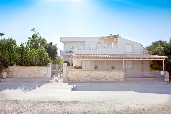 The villas are located in the beautiful small village Darmarochοri, 23 km east of Chania in the county of Kissamos. This village is the ideal base to explore unique places of West-Crete, traditional villages near the villas or even Chania old town!