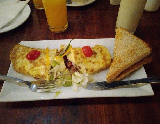 Cafe da manhã, na cafeteria anexa.