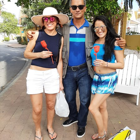 Curaçao: My guests that visited Curacao and enjoyed their stay in my hands!⚘⚘