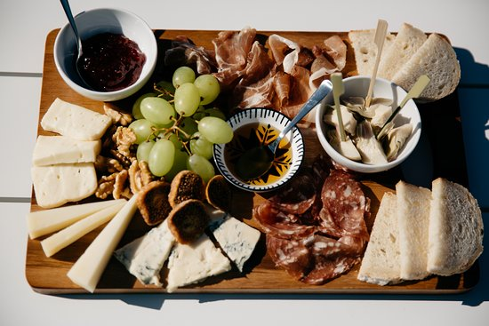 ‪‪Denmark‬, أستراليا: Grazing platters are available if you feel peckish during your wine tasting. ‬