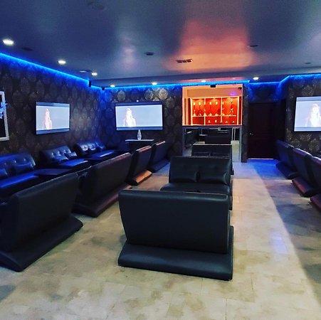 Deluxe Hookah Lounge