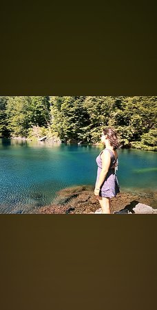 Laguna Arcoiris dentro del Parque Nacional el Conguillo, Melipeuco, Chile. Un lugar soñado. Camino de Ripio y dentro de la Montaña. No se permite el ingreso de mascotas, el precio por persona es de 9000 pesos chilenos, son $880 pesos argentinos. Viaje en enero 2020