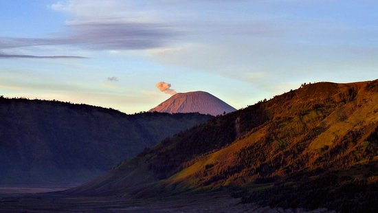Bromo Mountain Java, smoke from the vulcano