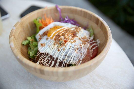 Calif Original Hamburg Loco Moco Picture Of The Calif Kitchen Okinawa Chatan Cho Tripadvisor