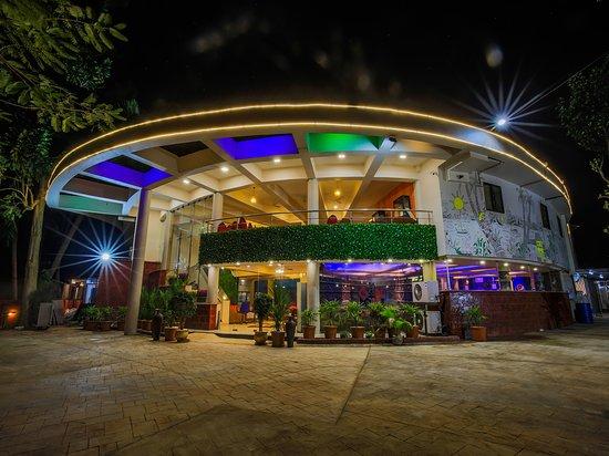 Varca, India: getlstd_property_photo