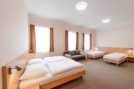 HOTEL V CENTRU