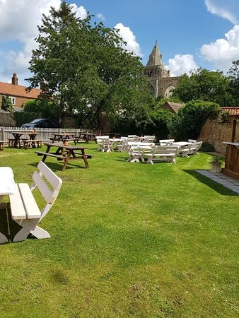 Crowland, UK: Our garden with new tables and outside kitchen