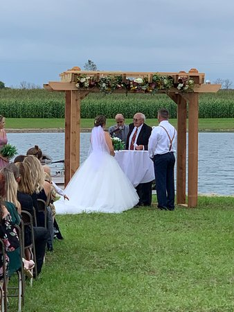 You can exchange your vows with an outdoor ceremony