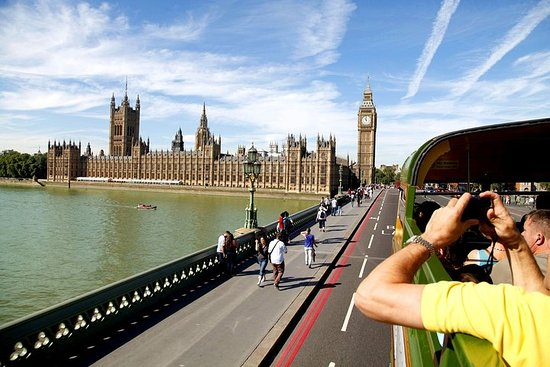 Ảnh về London Vintage Bus Tour Including River Thames Cruise with Optional Lunch