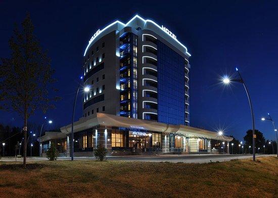 Royal Hotel Spa & Wellness
