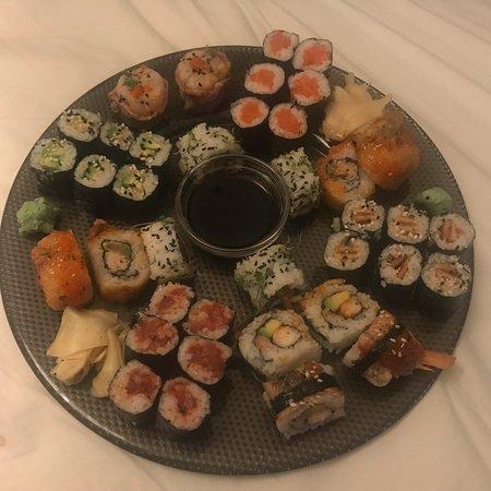 Doho Sushi Berlin Charlottenburg Wilmersdorf Borough Photos Restaurant Reviews Order Online Food Delivery Tripadvisor