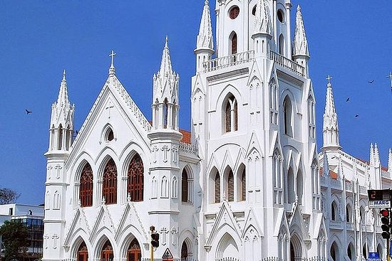 チェンナイの有名な教会を訪問する旅行