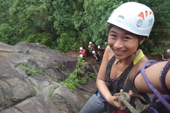 Halv dagers fjellklatring og rappelling opplevelse bare i Taipei...