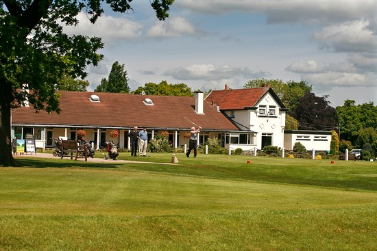 Harrogate Golf Club, 1st Tee with Clubhouse behind