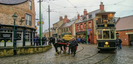 Horse and Cart meets Tram