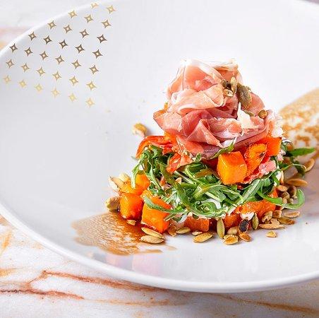 Salad with prosciutto crudo