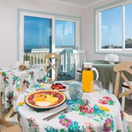 A full, fresh cooked breakfast buffet is included in your stay!