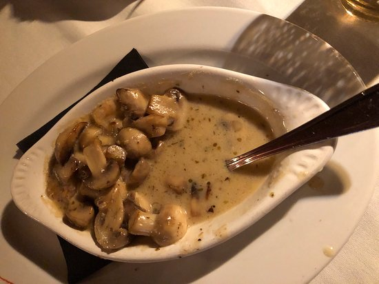 Newbury Park, Kalifornie: Sauteed mushrooms. HIGHLY recommend