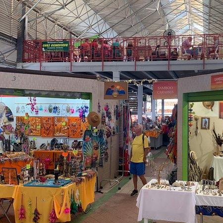 Fort-de-France, Martinik: Visite du Grand Marché de Fort de France avec des touristes