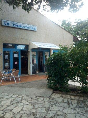 Marcillac-Lanville, Франция: BAR - RESTAURANT - GUINGUETTE LA CHAUMIERE 16140 LA CHAPELLE BORD DE CHARENTE REPAS DANSANT CONCERTS MUSICIENS