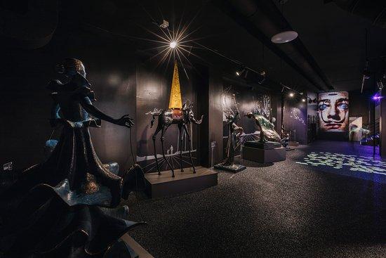Salvador Dalí - Enigma Exhibition
