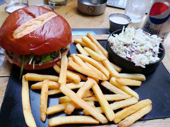 Sin el Fil, Ливан: Roadster Diner