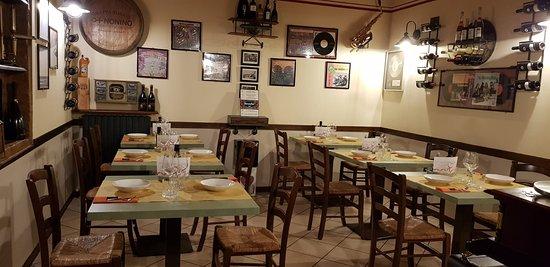 Vignola, Italy: saletta