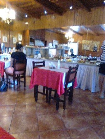 espaço do cafe da manha , tudo muito gostoso e para todos os gostos