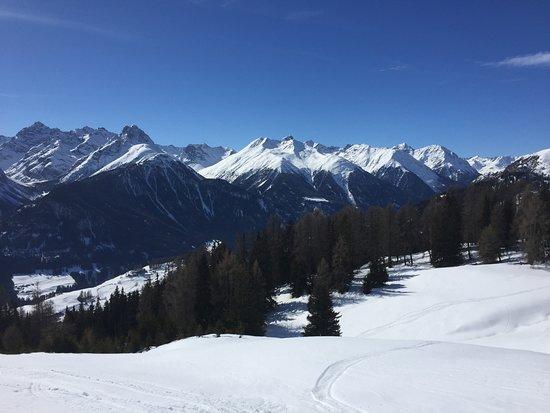 Ftan, İsviçre: traumhafte Aussicht