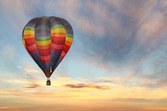 日出Temecula气球飞行