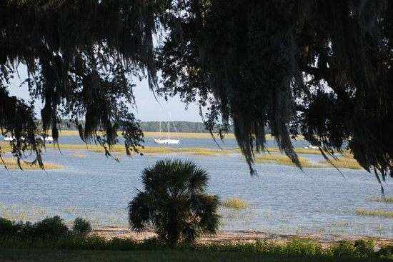 History and Movie Tour of Beaufort by Golf Cart