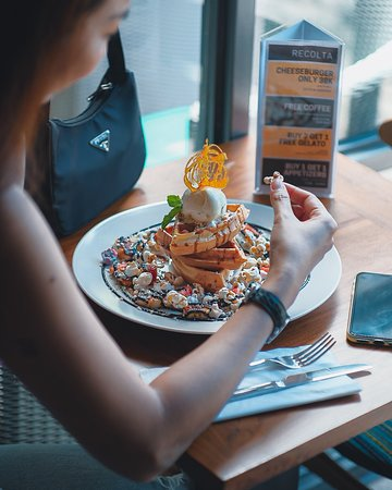 Saturday Brunch with waffle? Count me in! 😊❤️🌈 . . . . . #recoltabali #recoltacafe #recoltaexperience #balicafe #foodgelatocoffee #familyrestaurantbali   Bali Cafe
