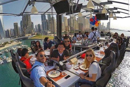 Cena de aventura en el aire en Dubái