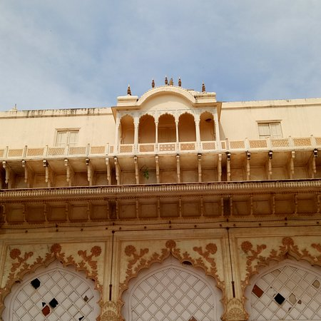 Neemrana Fort Palace , Siliserh Lake, and Moosi Rani ki Chatri Museum are awesome places that recall the colours of history, the folklore of the bygone kings and the battles that they fought..add to that adventure sports, awesome food and people...check it out...