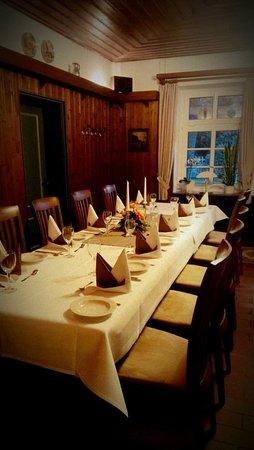 Visselhovede, Germany: Angenehmes Ambiente für die Gäste beim Essen à la carte. / Pleasant ambience for the guests while dining à la carte