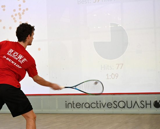 Boblingen, เยอรมนี: interactiveSQUASH: improve your skills – play and train together or alone