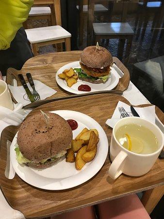 Delicious vegan burgers!