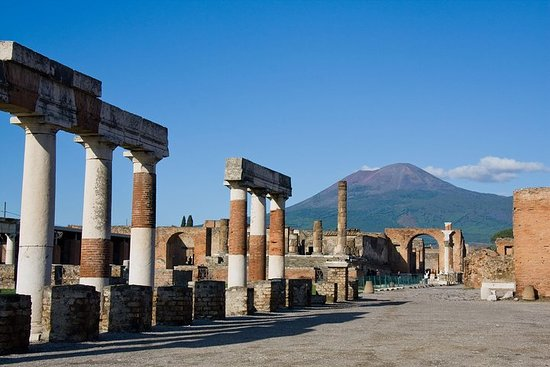 Pompeya y Herculano sin colas con...