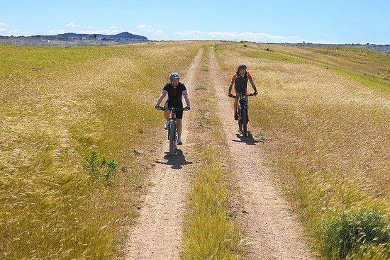 在Menfi和/或周邊地區的鄉村騎自行車