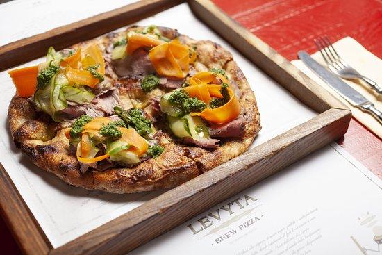 Pizza Levyta - roastbeef e giardiniera
