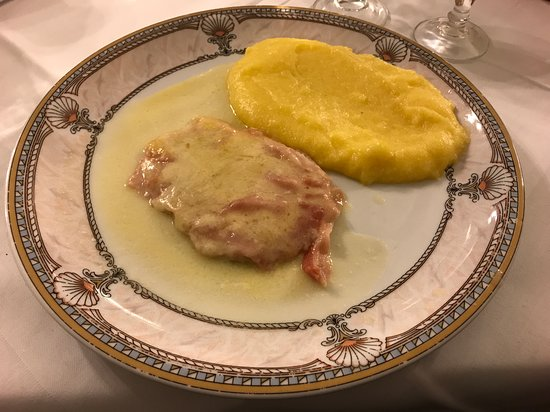 Steak à la Valdotaine avec polenta