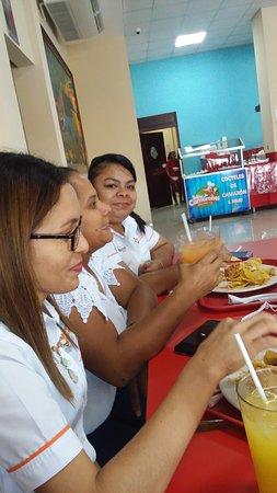 San Lorenzo, Honduras: Amistades