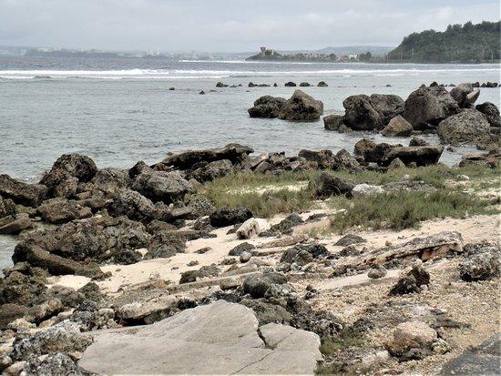 Asan, Quần đảo Mariana: Park on the edge of the beach
