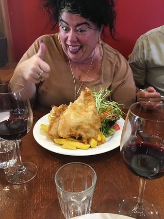Romsey, Úc: More like whale and chips !
