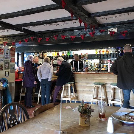 Weare Giffard, UK: Great pub, made very welcome both by the staff and regulars. Good food, the steak & ale pale is simply amazing... homemade and one of the best I've ever had as well as a great range of local ciders