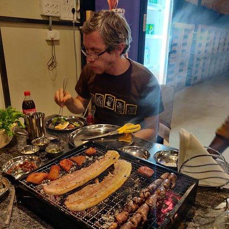 Penukonda, Индия: Korean BBQ 숯불고기, Pizza 피자, Juice 쥬스