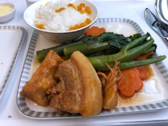 Singapore Airlines: 機内食メイン
