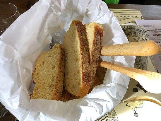 テーブルパン